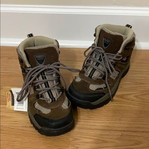 795f4628f9e9a3 REDHEAD McKinley Women's Hiking Boots (BRAND NEW)